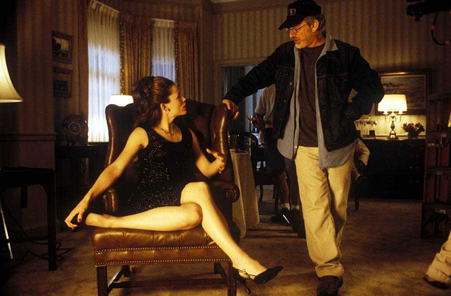 Steven Spielberg and Jennifer Garner in the Ambassador hotel on the movie set in the Ambassador hotel (Los Angeles)